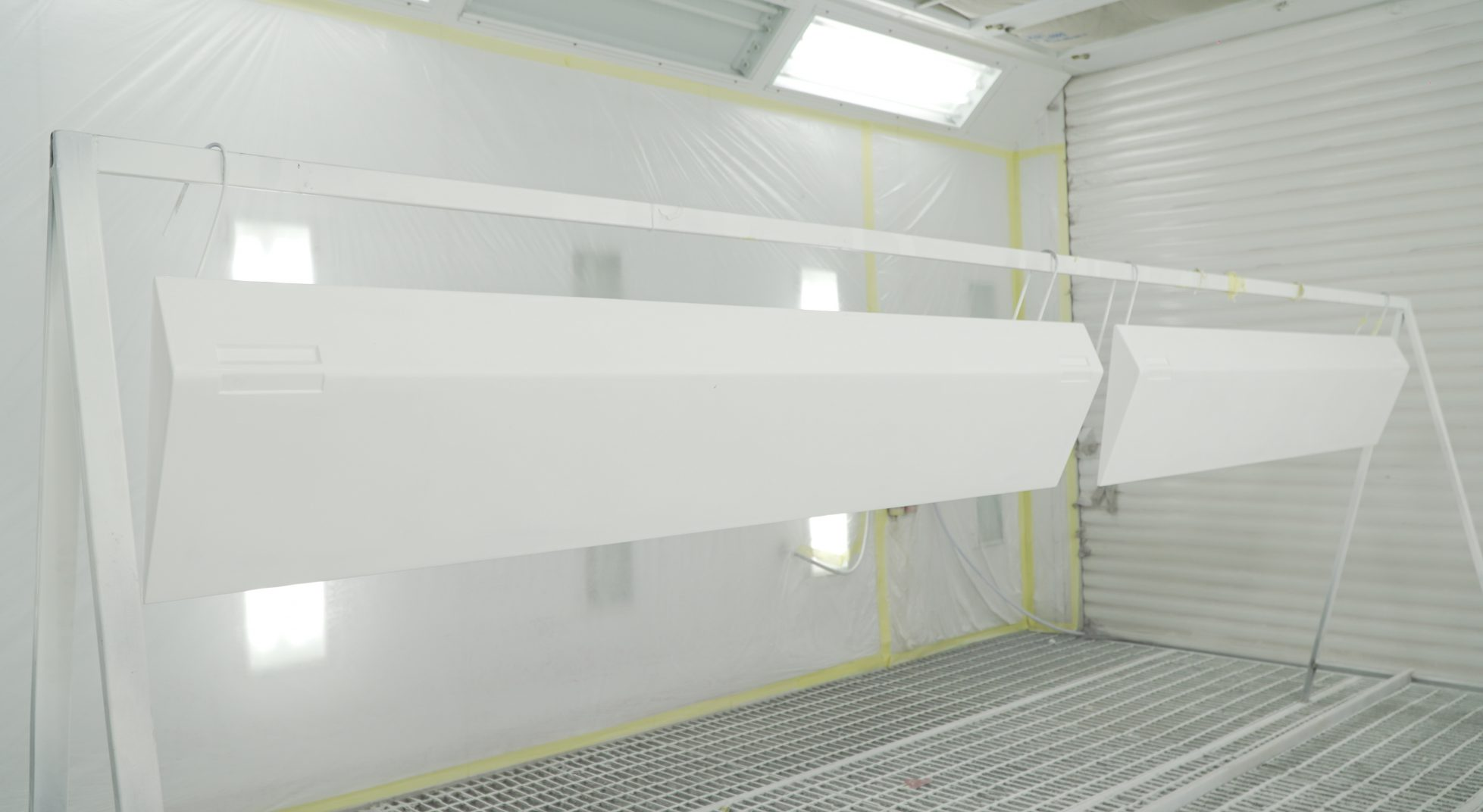 Sanding and grinding chamber 12 x 3 x 3m